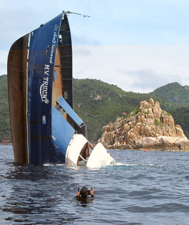 MV Trident tech diving liveaboard boat sinking vertical  near Koh Tao Thailand